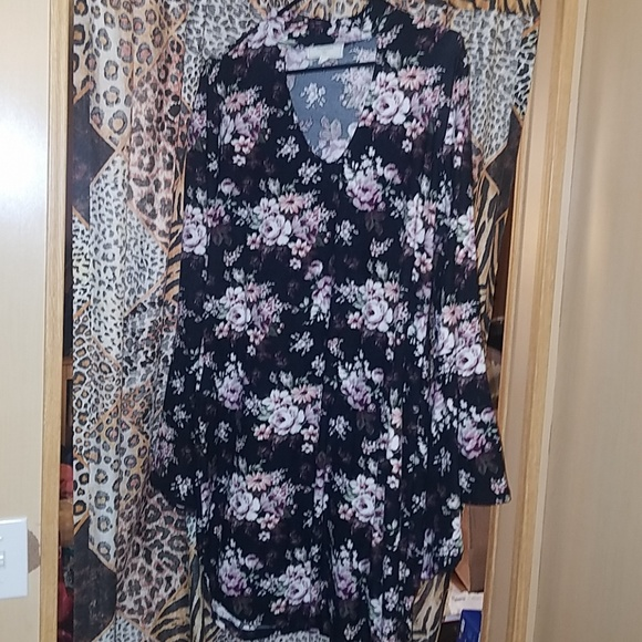 Macy's Dresses & Skirts - FLORAL Bell sleeve dress